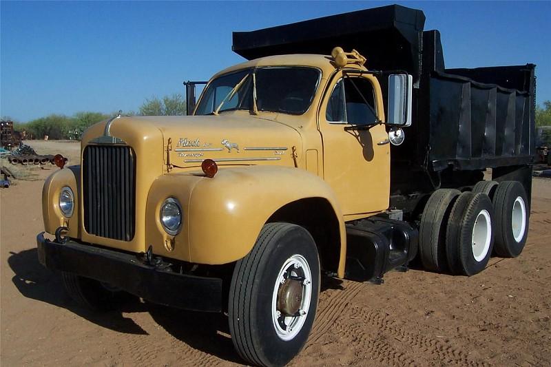 1964 Mack B Model : Photo mack b dump truck to reference