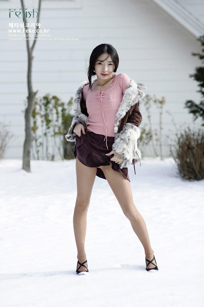Korean Girl in Snow 04